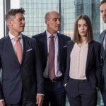 Vanaf 10 december op Netflix: de Duitse serie Bad Banks (met Barry Atsma)