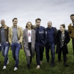 Vanaf 18 mei op NPO3: de Nederlandse remake van 'Dertigers'