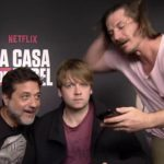 Nu op Netflix: seizoen 1 & 2 van Toon (en deze serie is lekker droog)